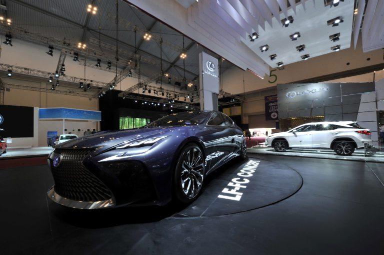 Lexus LF-FC Tonjolkan Visi Lexus untuk Kendaraan Masa Depan