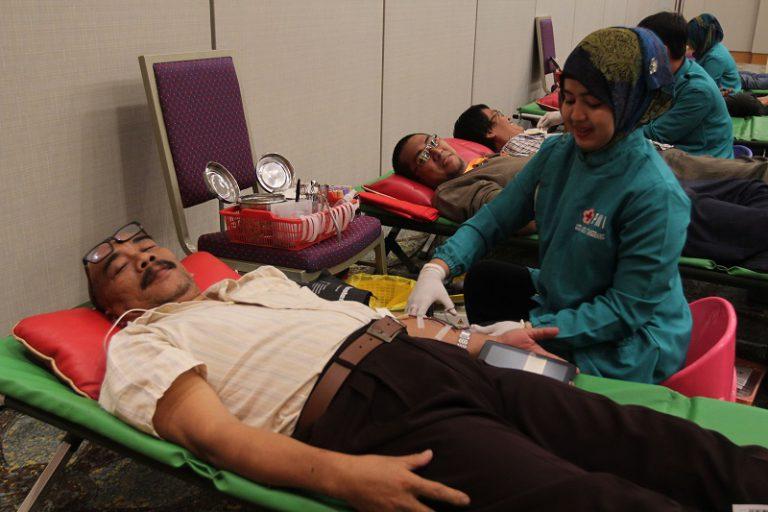 Tunjukkan Kepedulian, GIIAS 2016 Gelar Kegiatan Blood Donation dan Student's Day