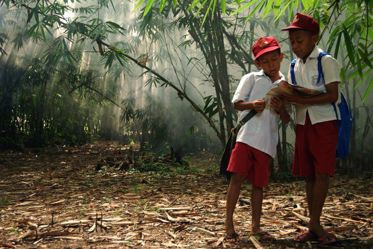 Gelar CSR, Isuzu Berikan Dana Pendidikan Kepada 160 Anak Sekolah