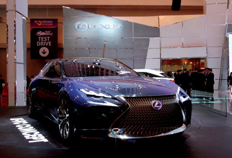 Sebanyak 190 Unit Kendaraan Premium Laku di Booth Lexus Indonesia