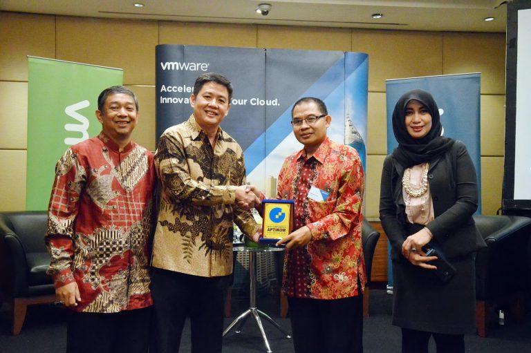 VMWare Bersama APTIKOM Bangun 5 Pusat Riset Virtualisasi dan Cloud Computing