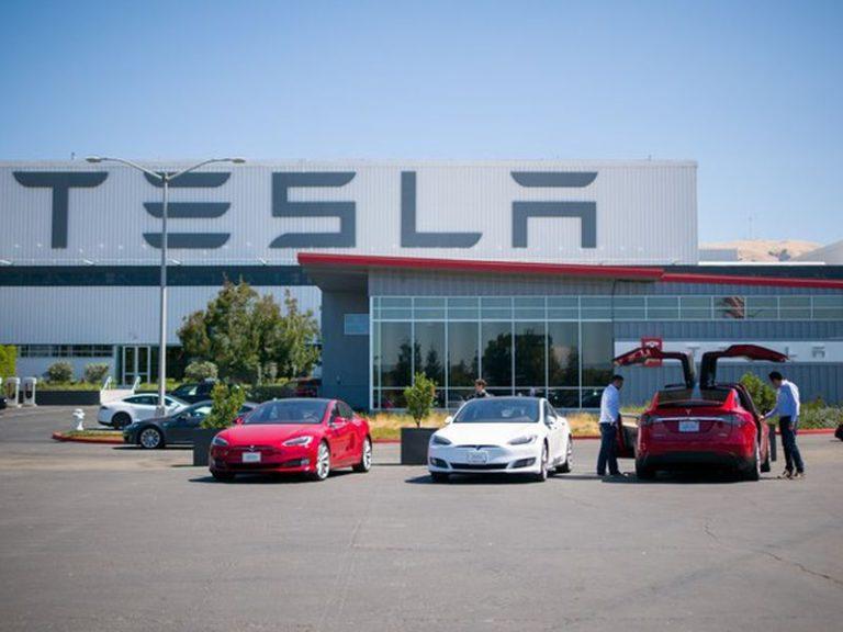 Cetak Rekor Baru, Tesla Sukses Kirimkan Hampir 25 Ribu Unit Mobil Listriknya Selama Kuartal Ketiga 2016