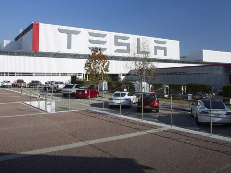Tesla Akan Gelar Event di 17 Oktober, Ada Apakah di Tanggal Tersebut?