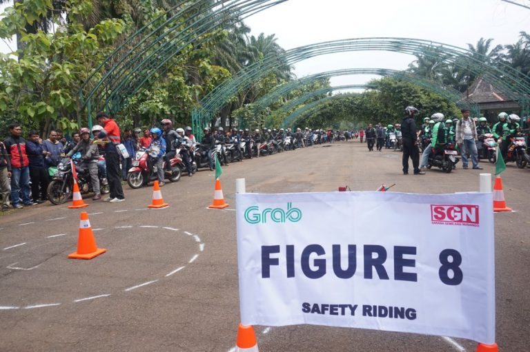Grab Beri Pelatihan Berkendara Gratis Bagi 1.000 Pengendara Motor