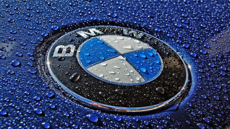 BMW Indonesia Tawarkan BMW Seri 3 dan Seri 5 Tanpa Biaya BBNKB