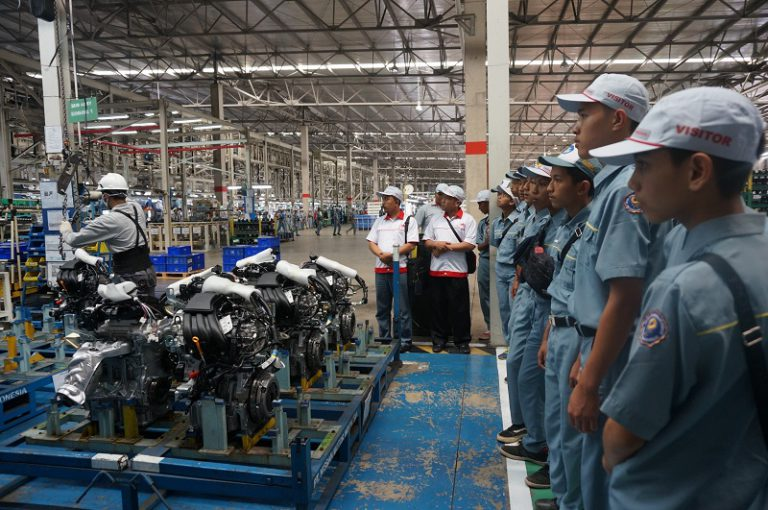 Nissan for Education, Cara Nissan Perkenalkan Fasilitas dan Sistem Produksi ke Pelajar Indonesia