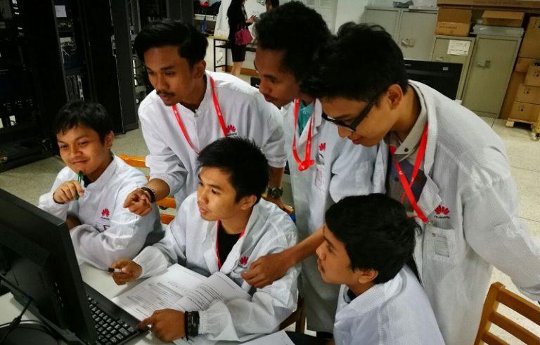 """Huawei Kembali Beri Kesempatan 15 Mahasiswa Terbaik Indonesia """"Magang"""" di Kantor Pusat"""