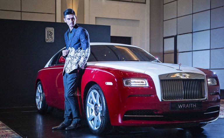 Rolls-Royce Hadirkan Bespoke Wraith dengan Sentuhan Warna Bendera Indonesia