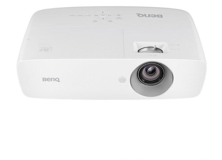 BenQ Perkenalkan Proyektor W1090 untuk Menambah Keceriaan Keluarga