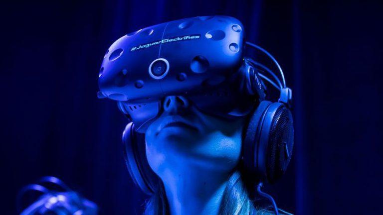 Melalui HTC Vive, Jaguar Perkenalkan Mobil Konsep I-PACE Melalui Virtual Reality