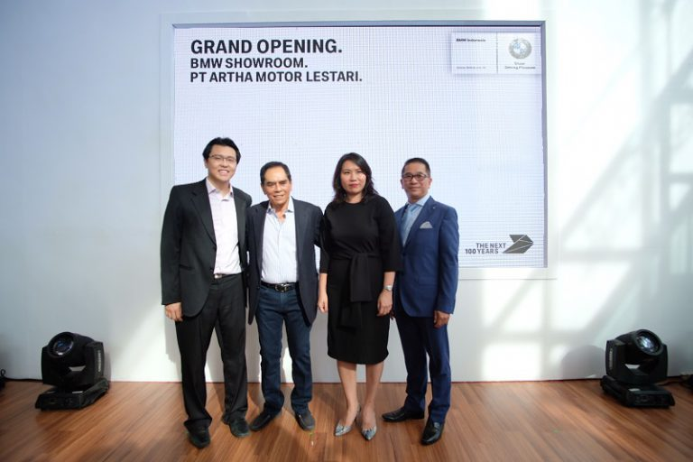 Perkuat Jaringan Layanan, BMW Buka Showroom di Medan