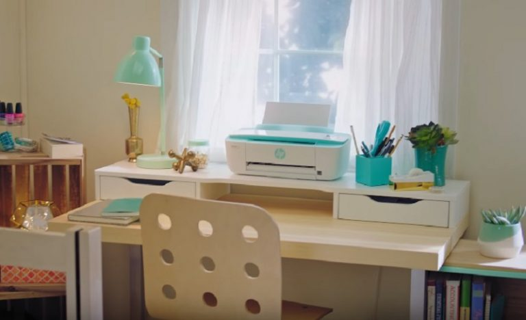 HP Inc. Pasarkan Printer Rumahan dengan Kemampuan Cetak Foto dari Facebook