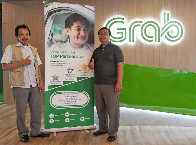 Tingkatkan Taraf Hidup Mitra Pengemudi GrabCar, Grab Gelar Program Top Partners