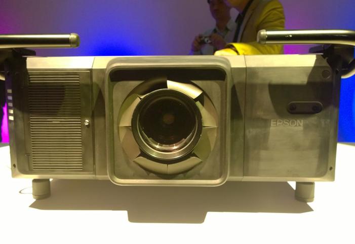 Proyektor Laser Phospor Epson Mampu Ubah Cara Orang Menikmati Proyeksi Gambar dan Video