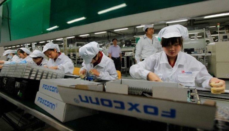 Wah, Foxconn Berencana Gantikan Pekerja dengan Robot