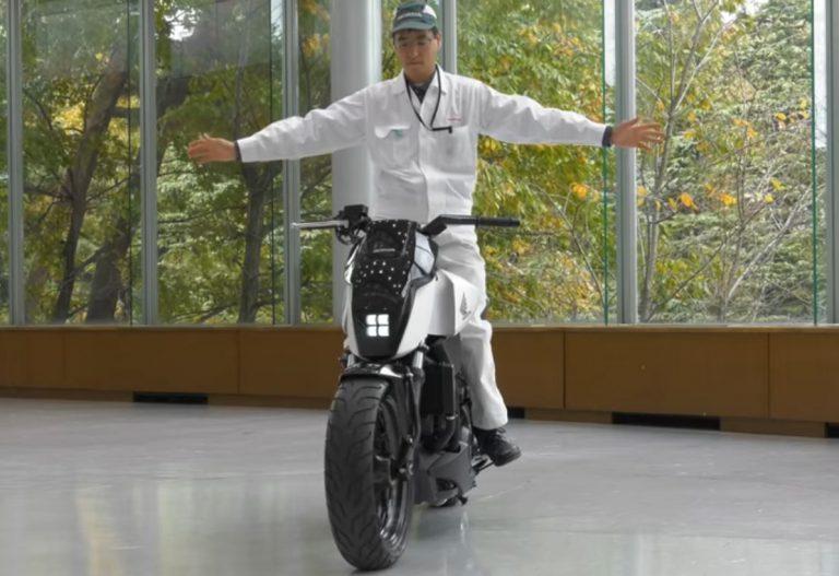 Honda Manfaatkan UNI-CAB Untuk Kembangkan Sepeda Motor yang Dapat Berdiri Sendiri