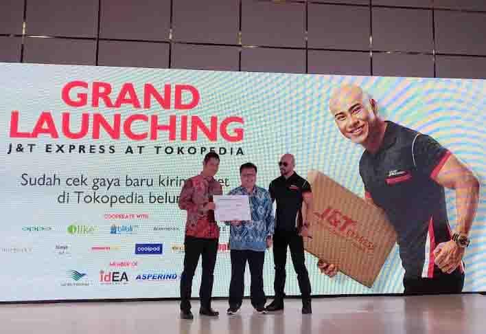 Bersama Tokopedia, J&T Express Hadir Berikan Layanan Jemput Gratis