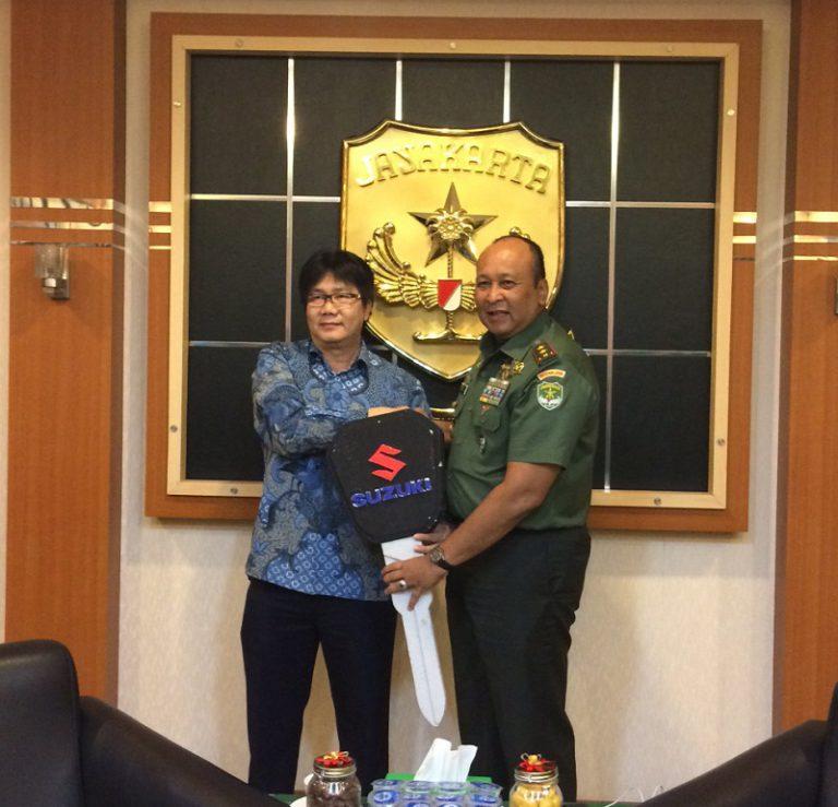 PT SIS Donasikan Unit APV untuk Operasional Kesehatan Kodam Jaya