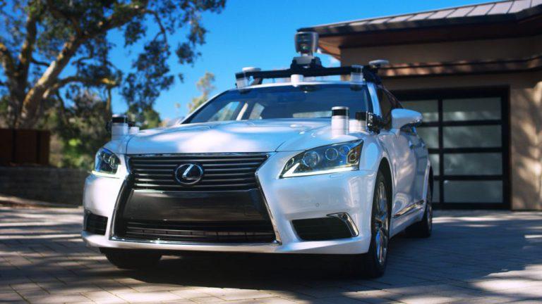 Lexus Jadi Mobil Uji Coba Pertama Toyota dengan Teknologi Self Driving dan AI