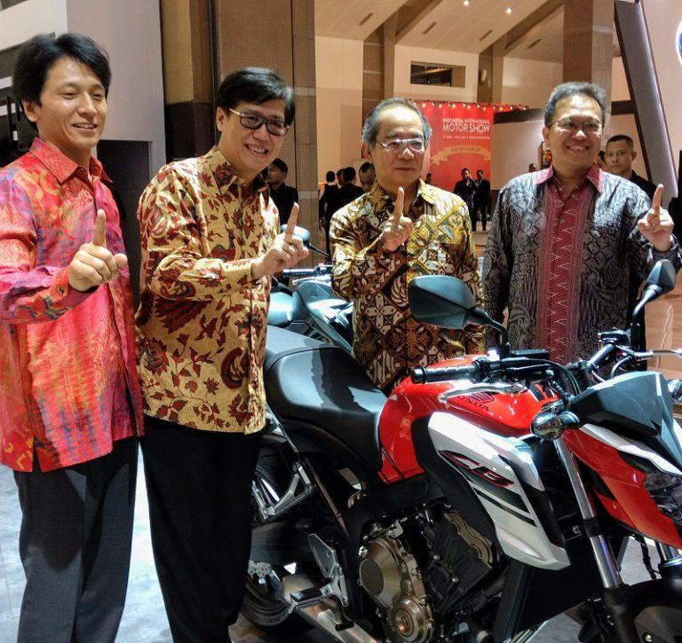 AHM Ramaikan IIMS 2017, Perkenalkan Honda CB650F dan Honda SH150i