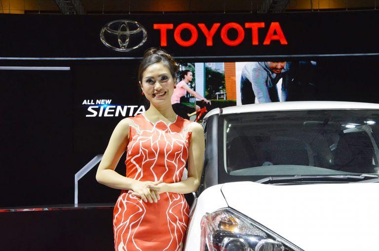 Vega Bellatrix: Miss Auto Show 2016 yang Ingin Kumpulkan Penghasilannya untuk Kuliah S2