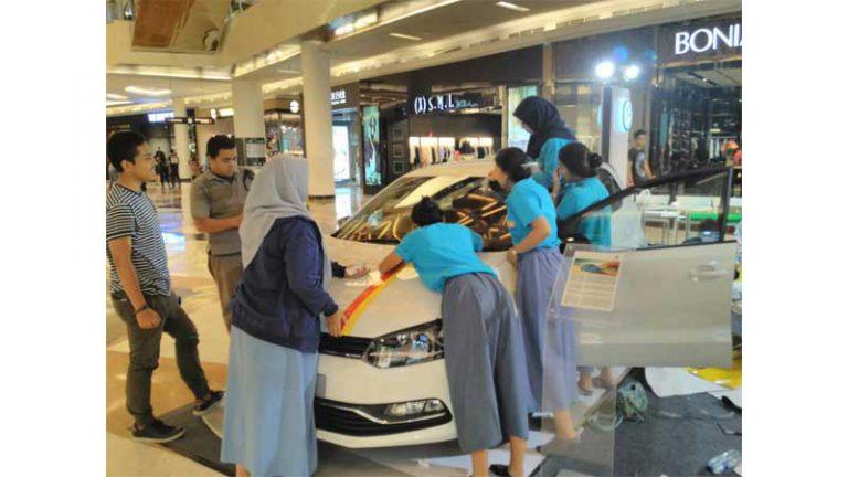 SMA Labschool Kebayoran Juara Pertama Kompetisi Poloisme Stickering Contest