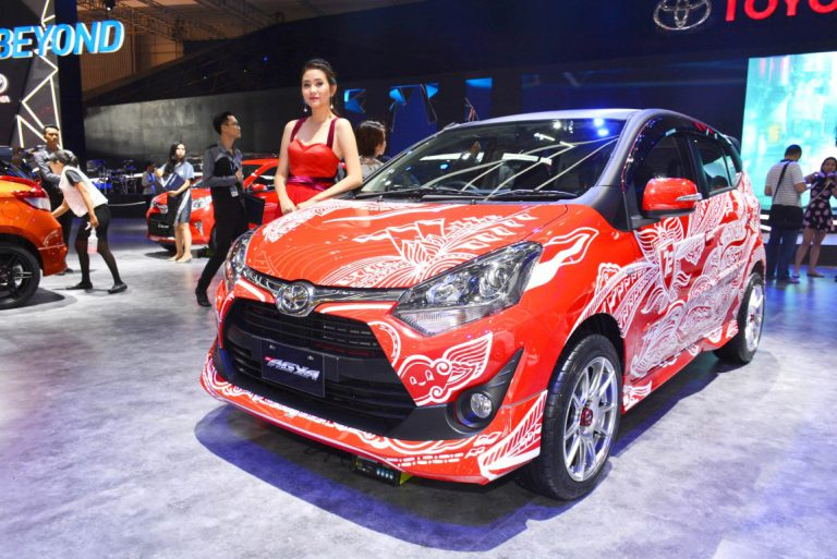 Dukung Inovasi Pengembangan Lokal, Toyota Hadirkan Mobil-Mobil Special Edition