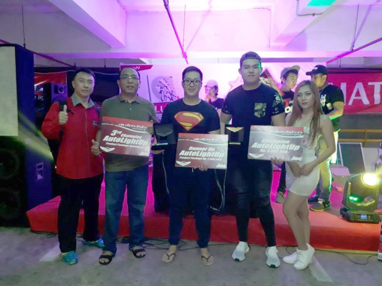Honda HR-V Mendominasi Kontes Modifikasi Lampu Autovision AutoLight Up 2017 di Kota Manado