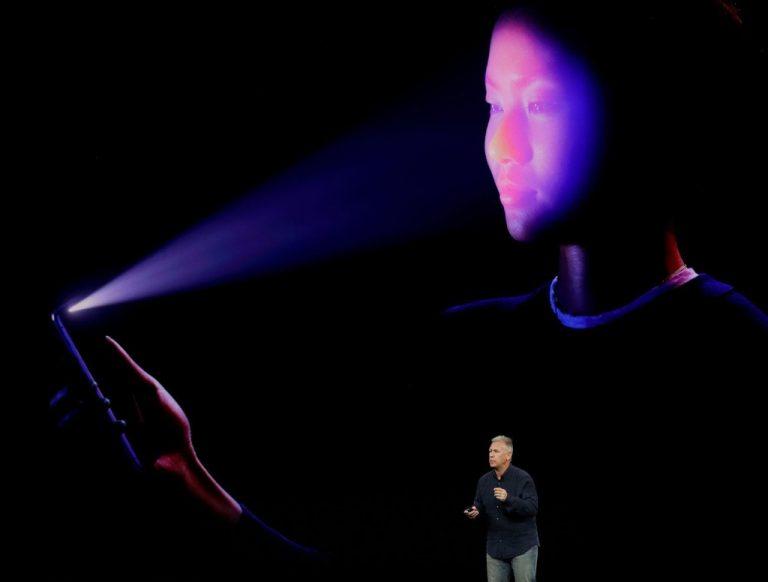 Hacker Klaim Bisa Kelabui iPhone X dengan Topeng Wajah 3D. Fitur Face ID Kembali Dipertanyakan
