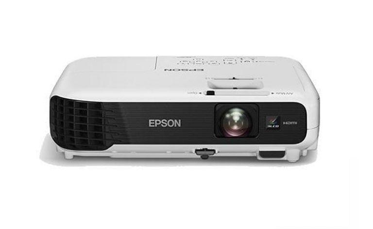EPSON EB-S400/X400/X450: Proyektor Sarat Fitur yang Bebas dari Masalah Lampu