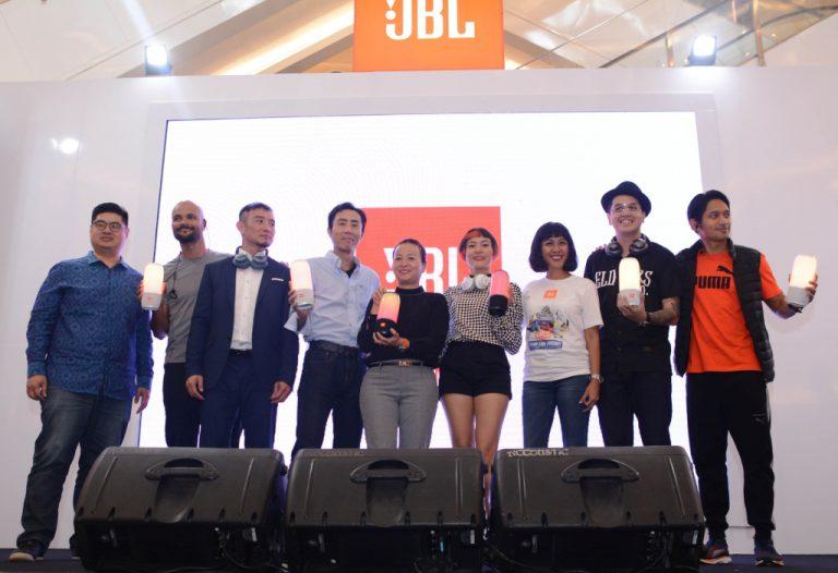 JBL Pamerkan Produk Audio Terbaru di Tanah Air. Dari Speaker Bluetooth Anti-Air Hingga Headphone Bebas Bising