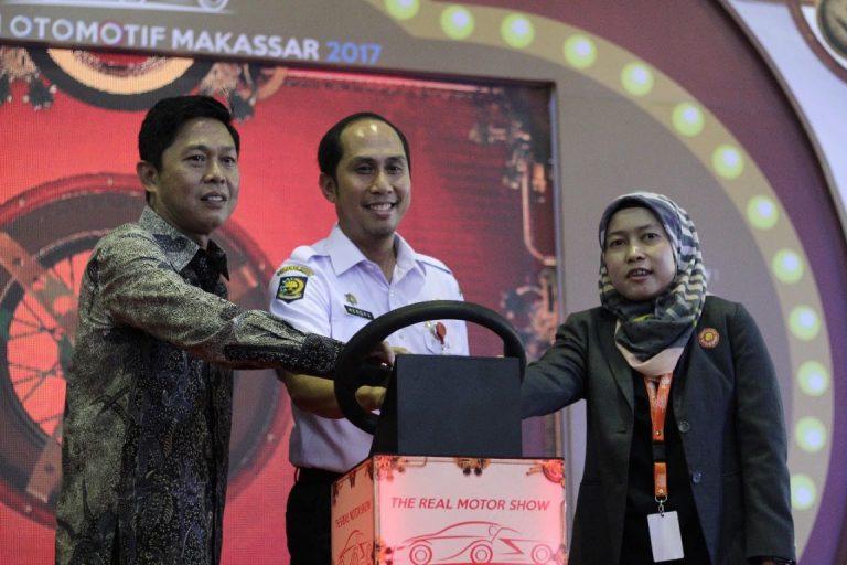 POMA 2017 Dibuka, Semarak Carnival Siap Sapa pengunjung Celebes Convention Center Makassar