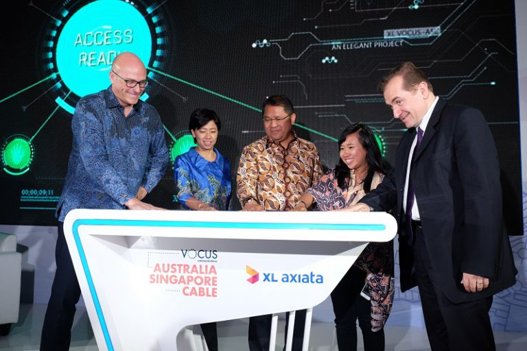 Gelar Kabel Laut, XL Axiata Sediakan Jaringan Alternatif Internet Global