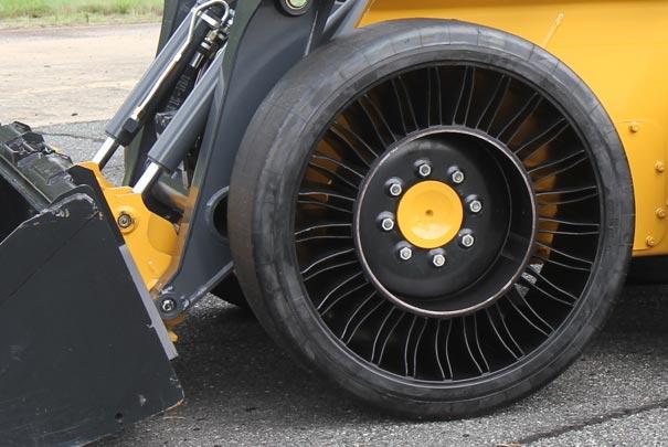 Mengenal Michelin X Tweel, Ban Komersial Tanpa Angin