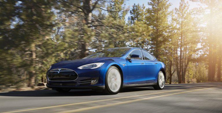 Tesla Rilis Seri S70D dengan Harga US$ 75 Ribu