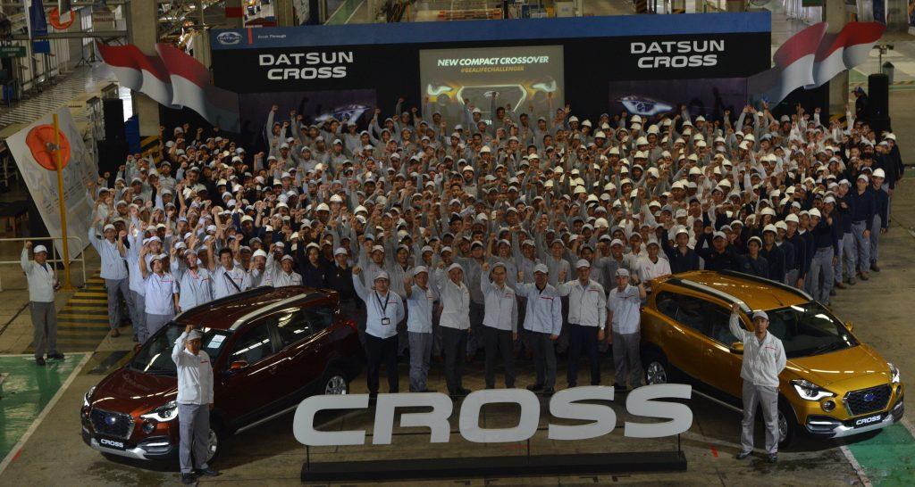 Karyawan PT Nissan Motor Indonesia