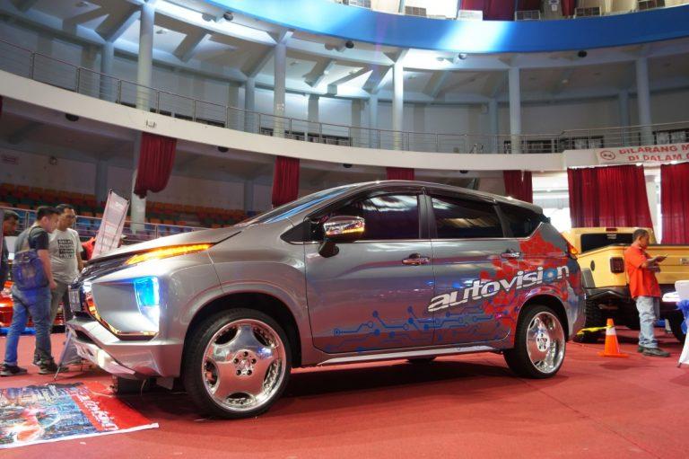 Honda Jazz Milik Yongky Raih Juara Satu Autovision Ray Of Light Balikpapan
