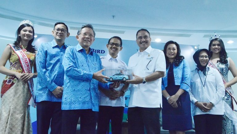 Moda Trasportasi Milik Bluebird Jadi Official Partner Visit Wonderful Indonesia 2018