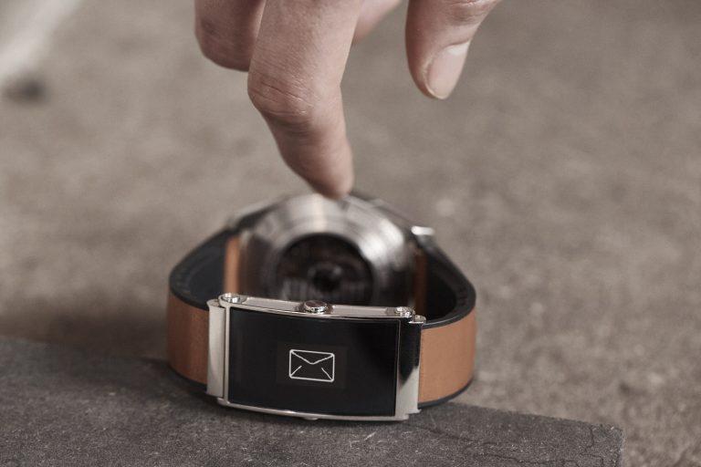 Montblanc TWIN Smart Strap Dapat Mengubah Jam Tangan Tradisional Jadi Teman Digital