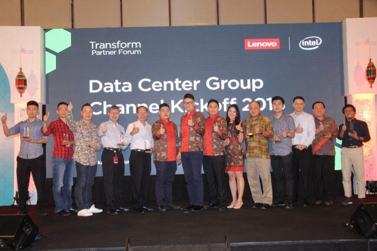 Di Ajang Lenovo DCG, Lenovo Data Center Group Berikan Penghargaan Kepada Mitra Bisnis