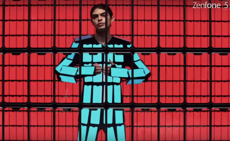 Band OK GO Ini Rangkai 89 ZenFone 5 dalam 1 Kostum untuk Iklan Penuh Warna
