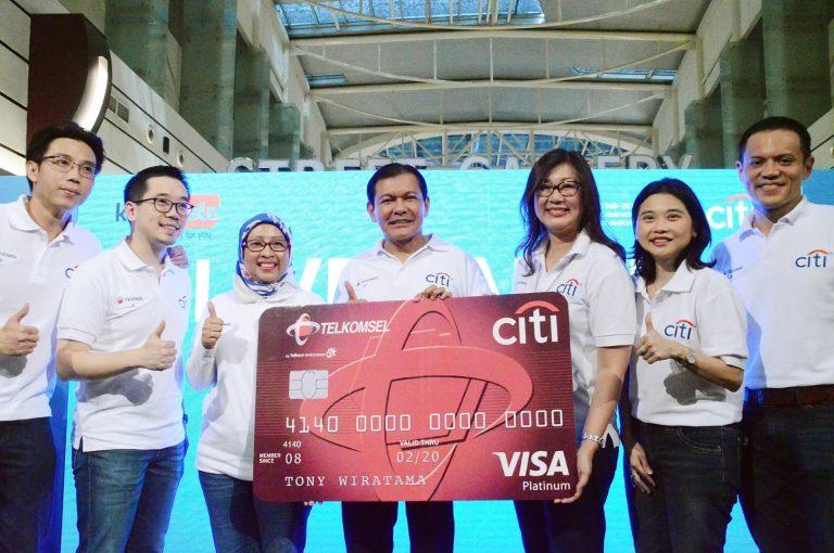 Citibank dan Telkomsel Perkenalkan Kampanye 'Live Large'