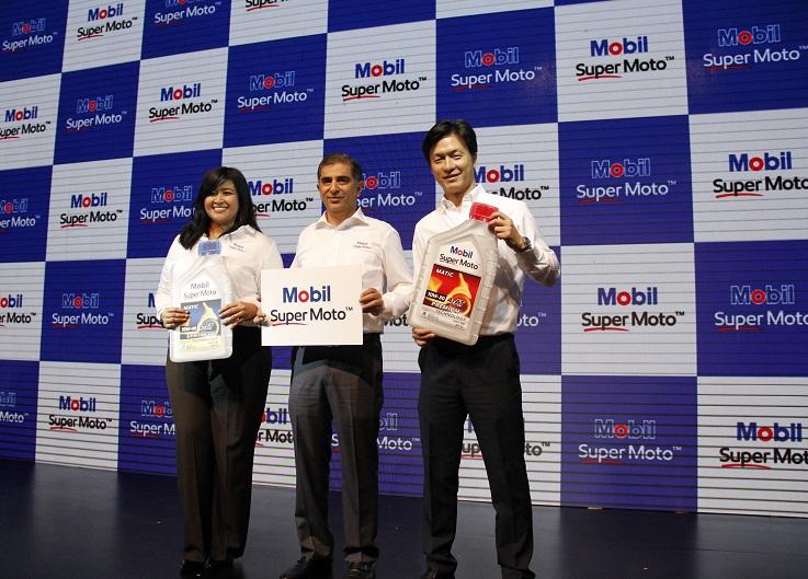 Luncurkan Pelumas Mobil Super Moto, MobilTMLubricants Tunjuk Irfan Bachdim sebagai Brand Ambassador