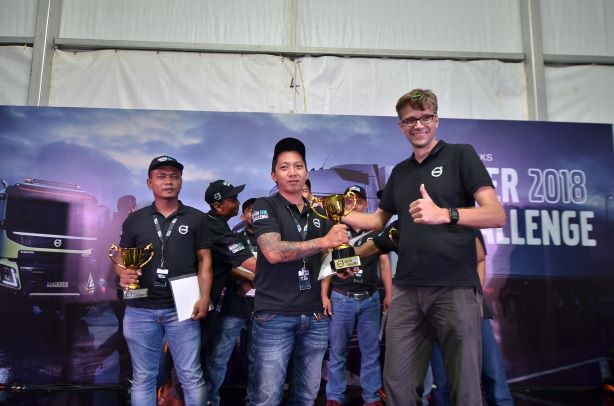 Pria Asal Kalimantan Selatan Raih Juara Pengemudi Truk Terbaik Indonesia