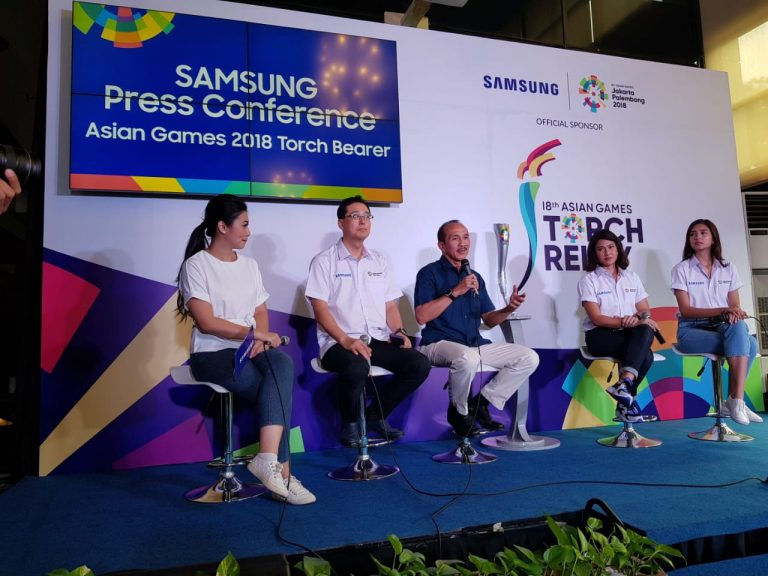 Samsung Perkenalkan Duta Pembawa Obor, Ada Dian Sastro dan Mikha Tambayong