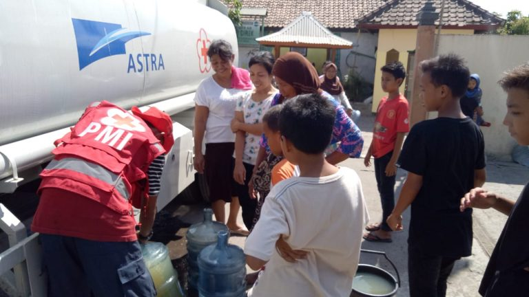 Lombok Diguncang Gempa Bumi, Astra Serahkan Bantuan Senilai Rp 550 Juta