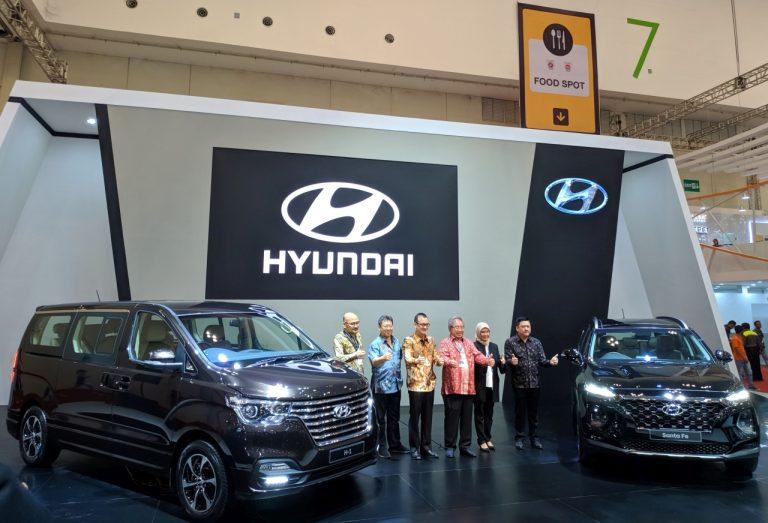 Luncurkan Santa Fe dan H-1 Generasi Terbaru di GIIAS, Ini Program Promo dari Hyundai