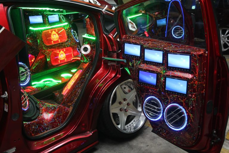 Tren dan Inovasi Modifikasi Lampu Mobil Dalam Ajang Autovision AutoLightUp Medan