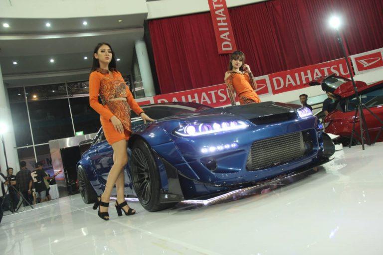 Nissan Silvia S15 Dan Mercedes-Benz E250 Coupe Raih Champion Autovision AutoLightUp Contest 2018 di Balikpapan