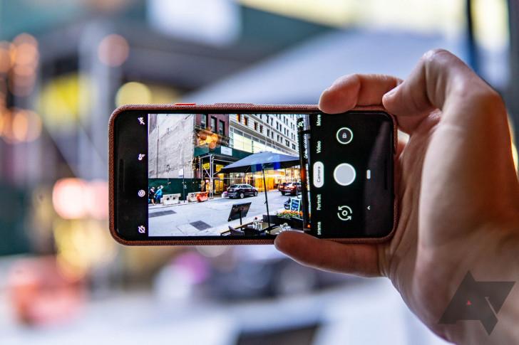 Google: Aplikasi Kamera Pixel akan Mendukung Mikrofon Eksternal
